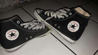 Sepatu converse jadul