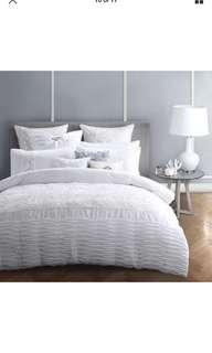 Logan & mason white quilt over set and accessories