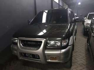 Isuzu panther Touring MT 2002
