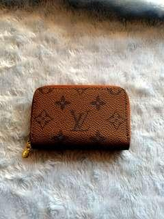 Lv Small wallet with serial code (authentic quality)