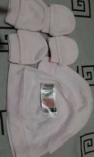 Topi dan sarung tangan mothercare 2 set size up to 3m