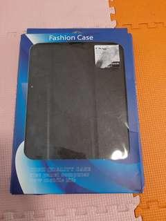 🚚 Wts ipad 6th & 5 generation case