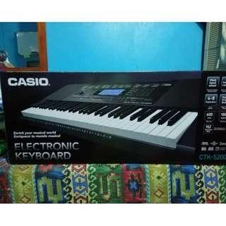 Electronic Keyboard Casio CTK- 5200