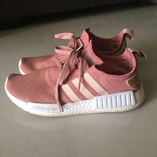 Adidas pink nmd