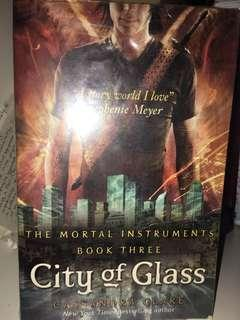 🚚 City of Glass - Veronica Roth