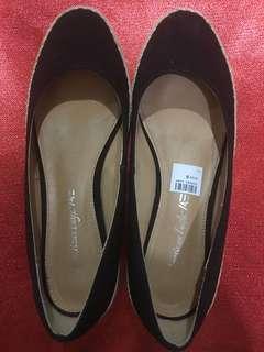 American Eagle wedge shoe