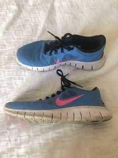Woman's Nike free