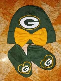 Green Bonnet & Socks