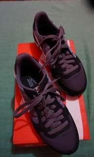 Original Nike sneakers for ladies