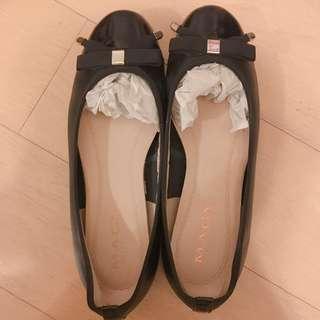 台灣品牌女鞋MAGY黑色娃娃鞋