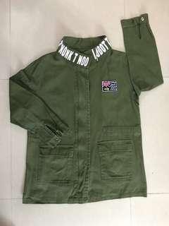 免費軍綠色外套