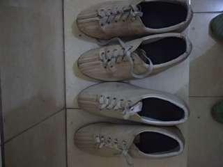Sepatu bowling