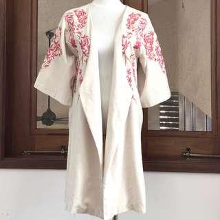 Kimono embroidered linen cardigan