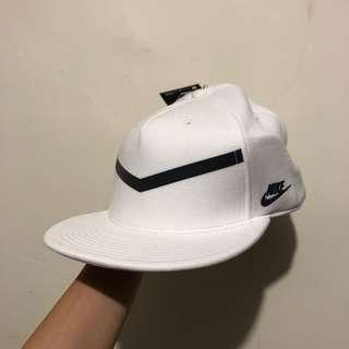NIKE ALL WHITE CAP 帽