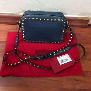 🚚 Authentic Valentino Sling Bag