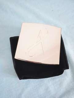 Artistry 璀璨晶巧粉餅盒