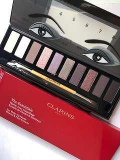 🚚 Clarins the essentials eyeshadow palette