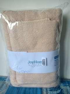 Joyhome towel by Terry Palmer