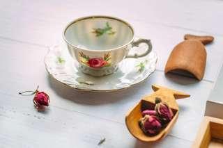 1940年代二戰前Bareuther巴伐利亞玫瑰濃縮咖啡杯連底碟 (杯直徑2 3/4吋,高1 1/2吋,底碟直徑4 1/2吋)