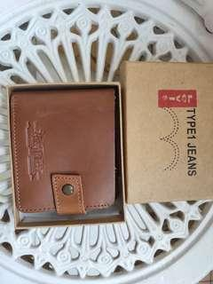 🚚 Levis leather wallet