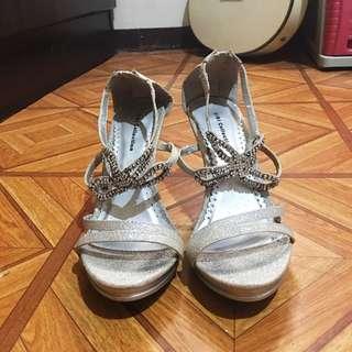 Sandals w/ heels