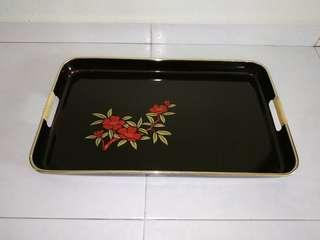🚚 1 x old school florar black tray made in Japan with free delivery