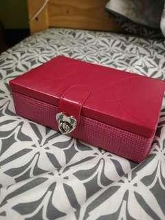 全新 六福珠寶 桃紅色 首飾盒 簡約 戒指