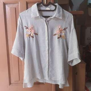 Import basit stripe shirt with embroidery flower