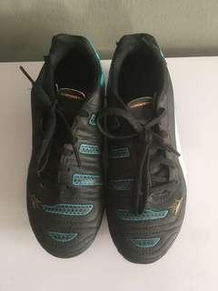 Puma soccer boys boots