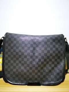 Louis Vuitton Damier Graphite District GM Shoulder Bag N41271 Black 902f1715696