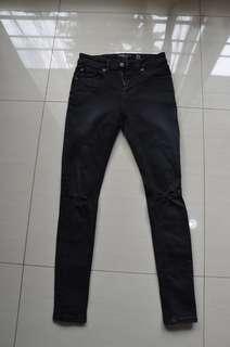 Skinny Ripped Jeans Bershka