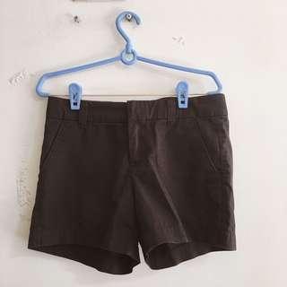 🚚 (三件一百)Lativ 知性黑色短褲 Black short(3 items$100)