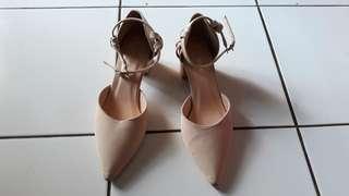 Sepatu Claymore