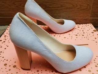 VNC high heeld