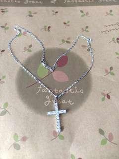 閃石十字架頸鍊