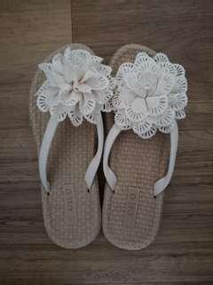 🚚 Flower slippers/sandals