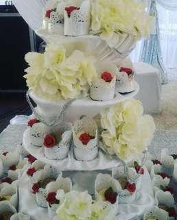 🚚 Wedding cupcakes