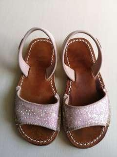 🚚 Preloved Castell sandal size 28
