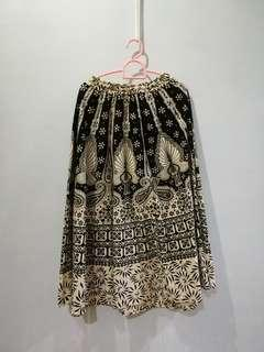 Beautiful patterned black and white maxi skirt