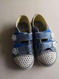 🚚 Preloved skechers shoe size eur 26.5