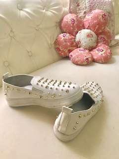 Sepatu putih kulit asli