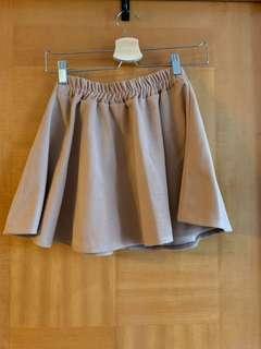 杏色 短裙