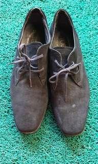 Sepatu wanita Tod's