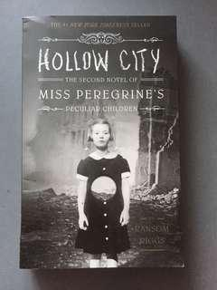 Hollow City 2nd Book of Mis Peregrine's Peculiar Children