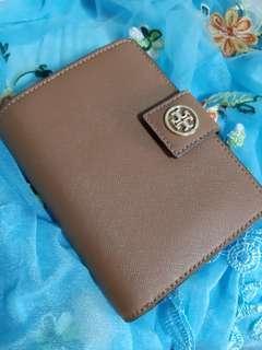 🚚 Tory Burch wallet