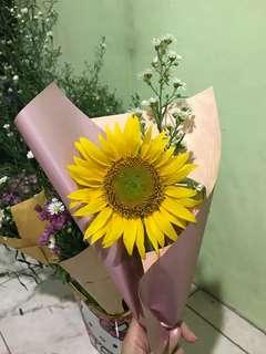 SIMPLE HAND BOUQUET OF SUNFLOWERS