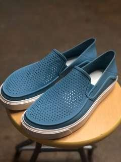 Crocs men shoes m9