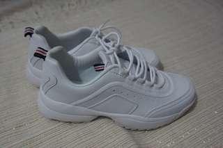 Sepatu sport - pull n bear ori