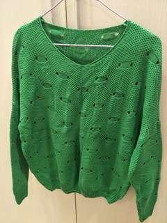 🚚 綠色V領針織毛衣
