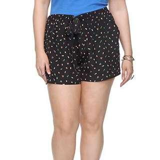 🚚 Almost New Forever 21 F21 Plus Size Sail Boat Black Shorts